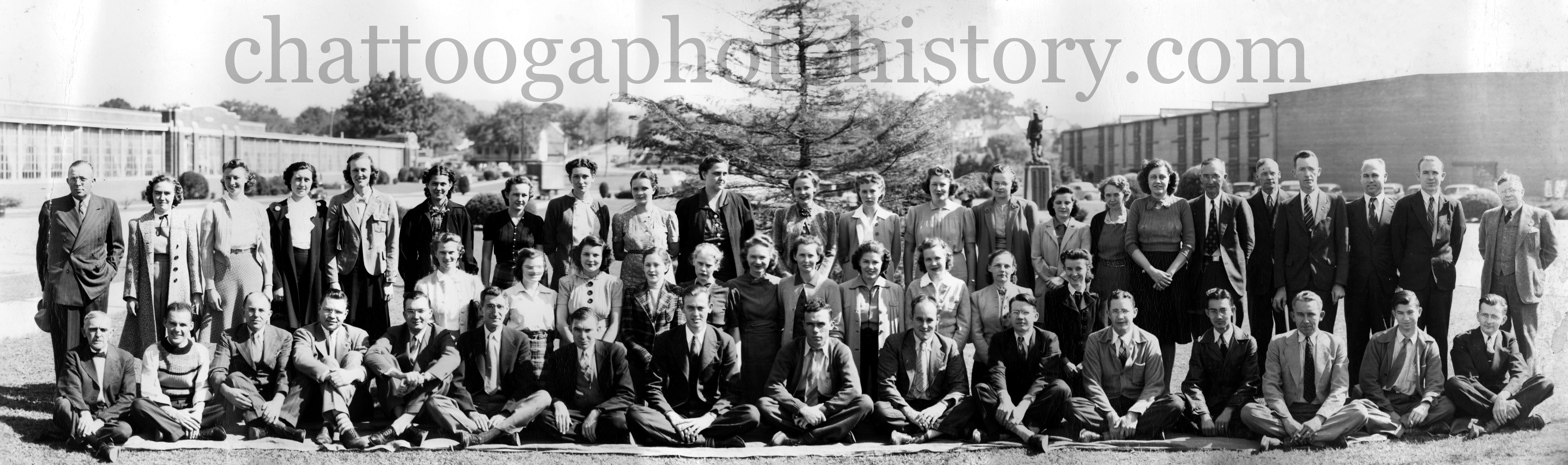 1939 Riegel office staff